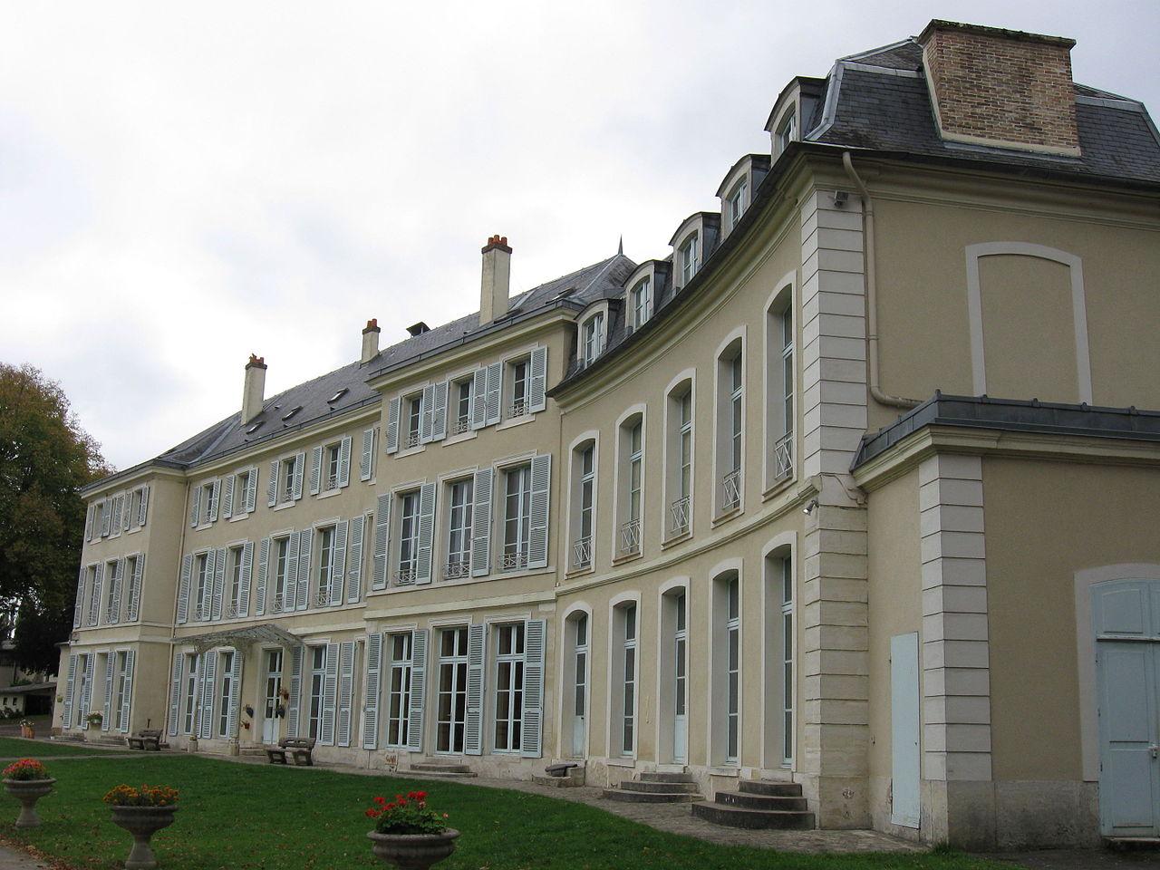 neauphle-le-vieux_chateau